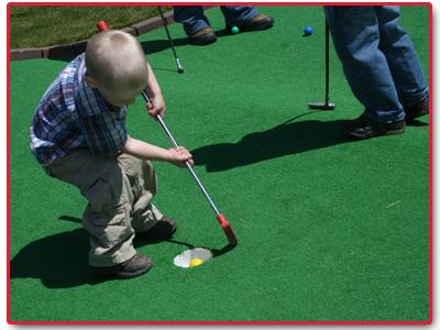 Mini-Putt Golf